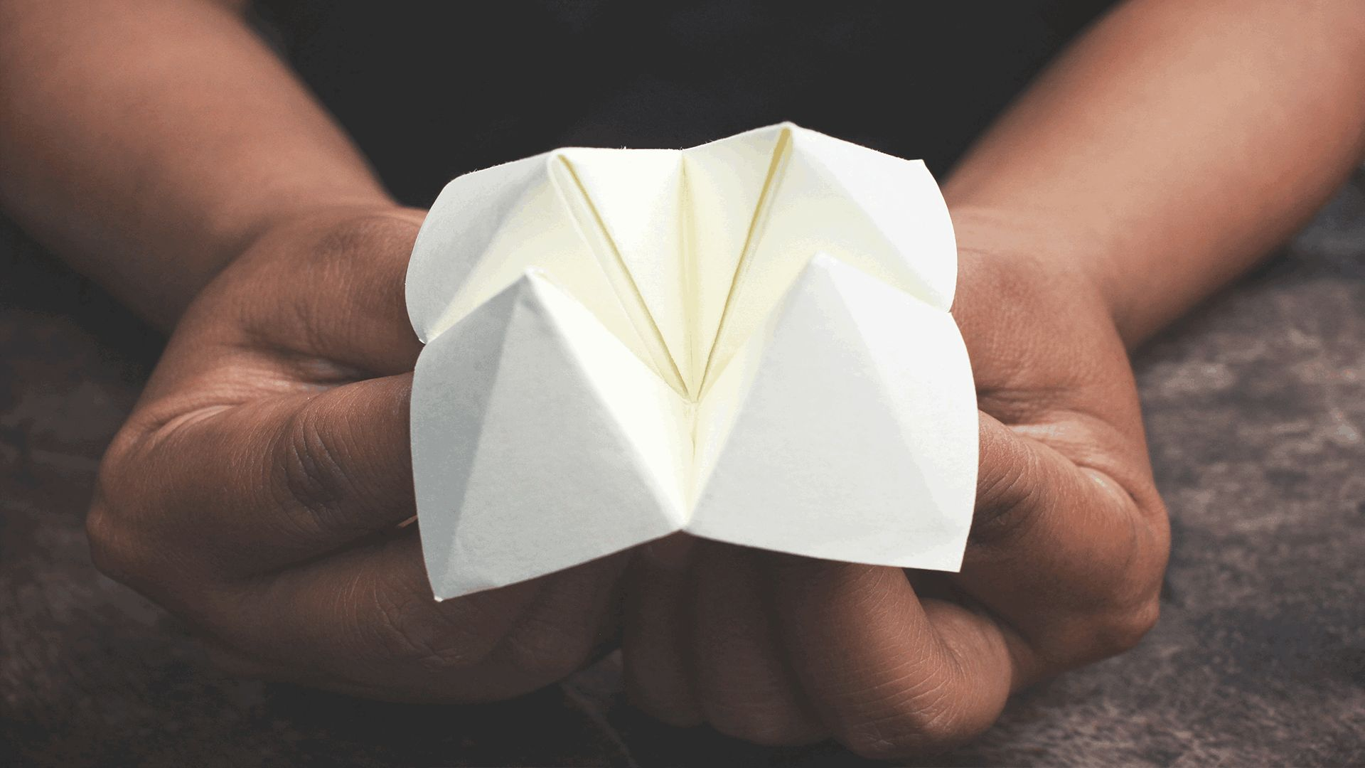 How to make a DIY paper fortune teller